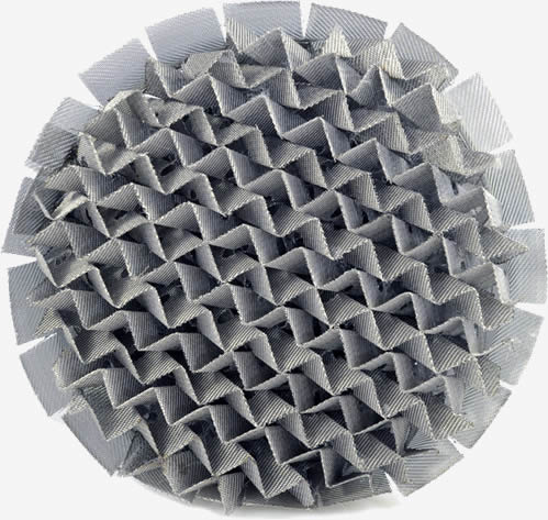 Perforated plate corrugated packing has good surface wetting ability and strong resistant to fouling.